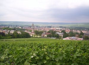 800px-View_of_Épernay_from_Mont_Bernon